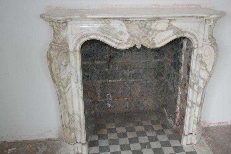 antike kaminumrandung bau antik historische t ren und. Black Bedroom Furniture Sets. Home Design Ideas